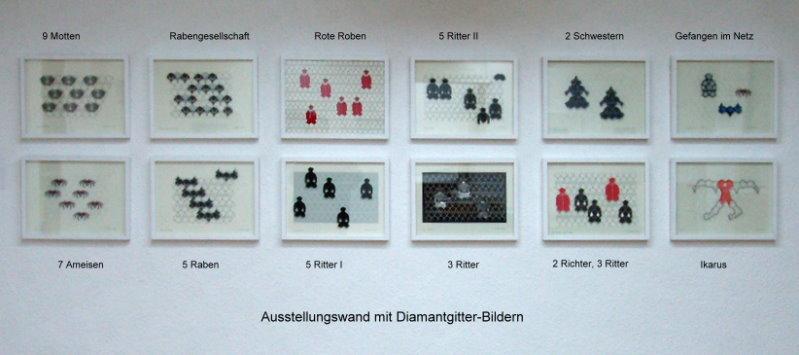 Ausstellungswand mit Diamantgitter-Bildern in Objektrahmen