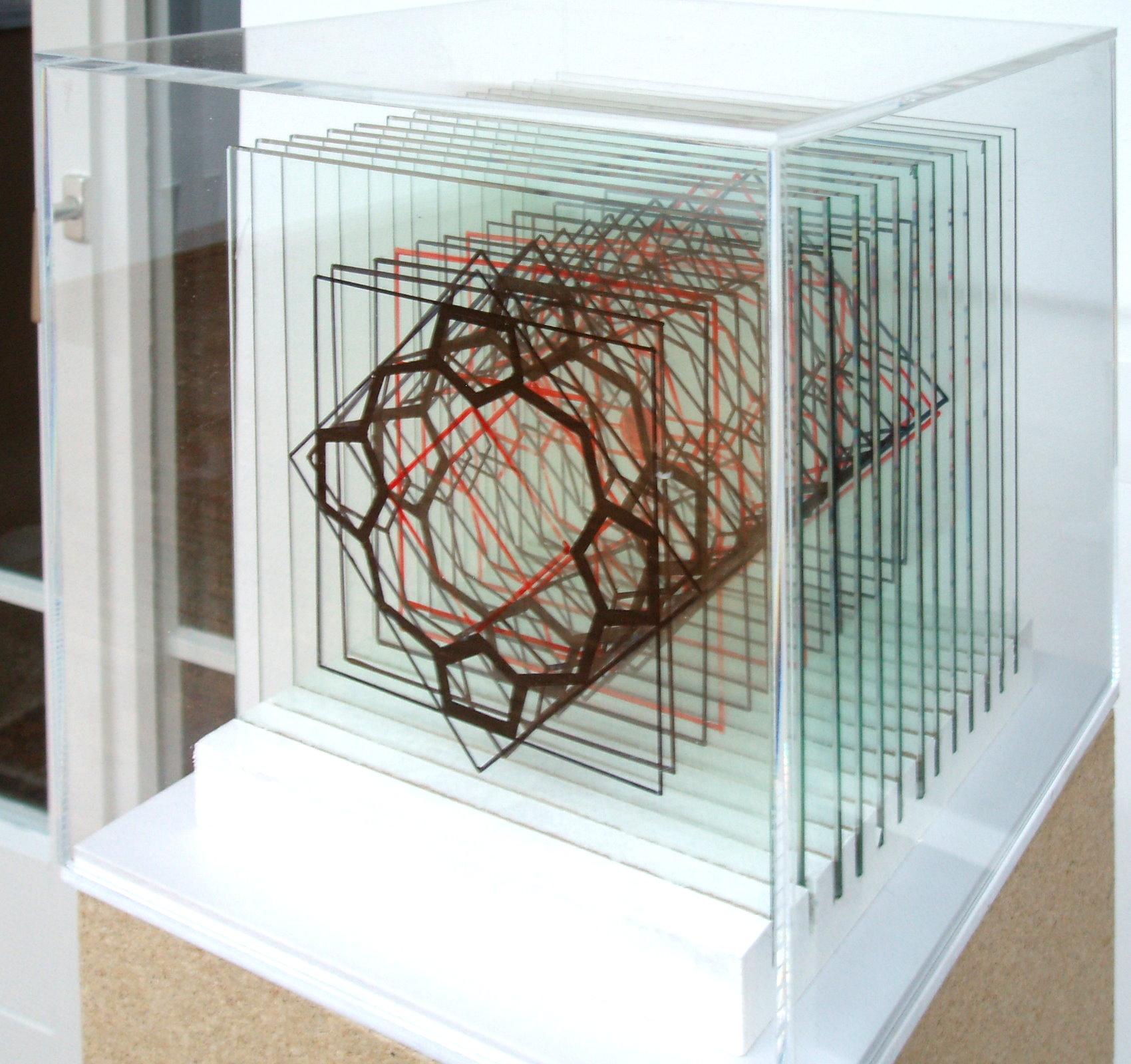 Tischobjekt -  Porphyrin - seitliche Ansicht