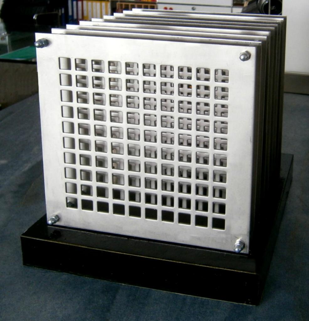 Quader-mit-900-Gevierten_1300x1350
